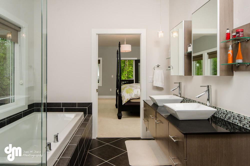 2922 Marston Drive Anchorage-large-020-Master Bath-1500x993-72dpi.jpg
