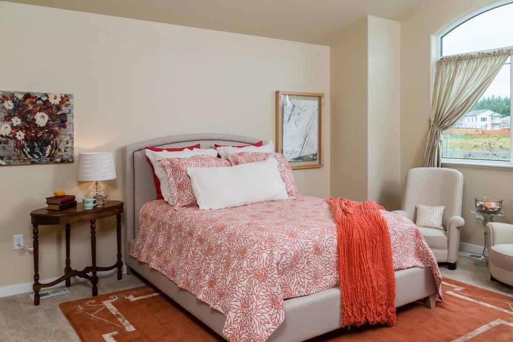 made-in-alaska-house-master-bedroom