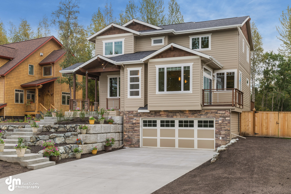 Parade of Homes Entry