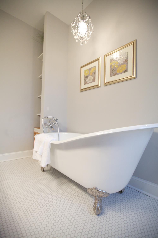 14.Master Bath.IMG_1970.jpg
