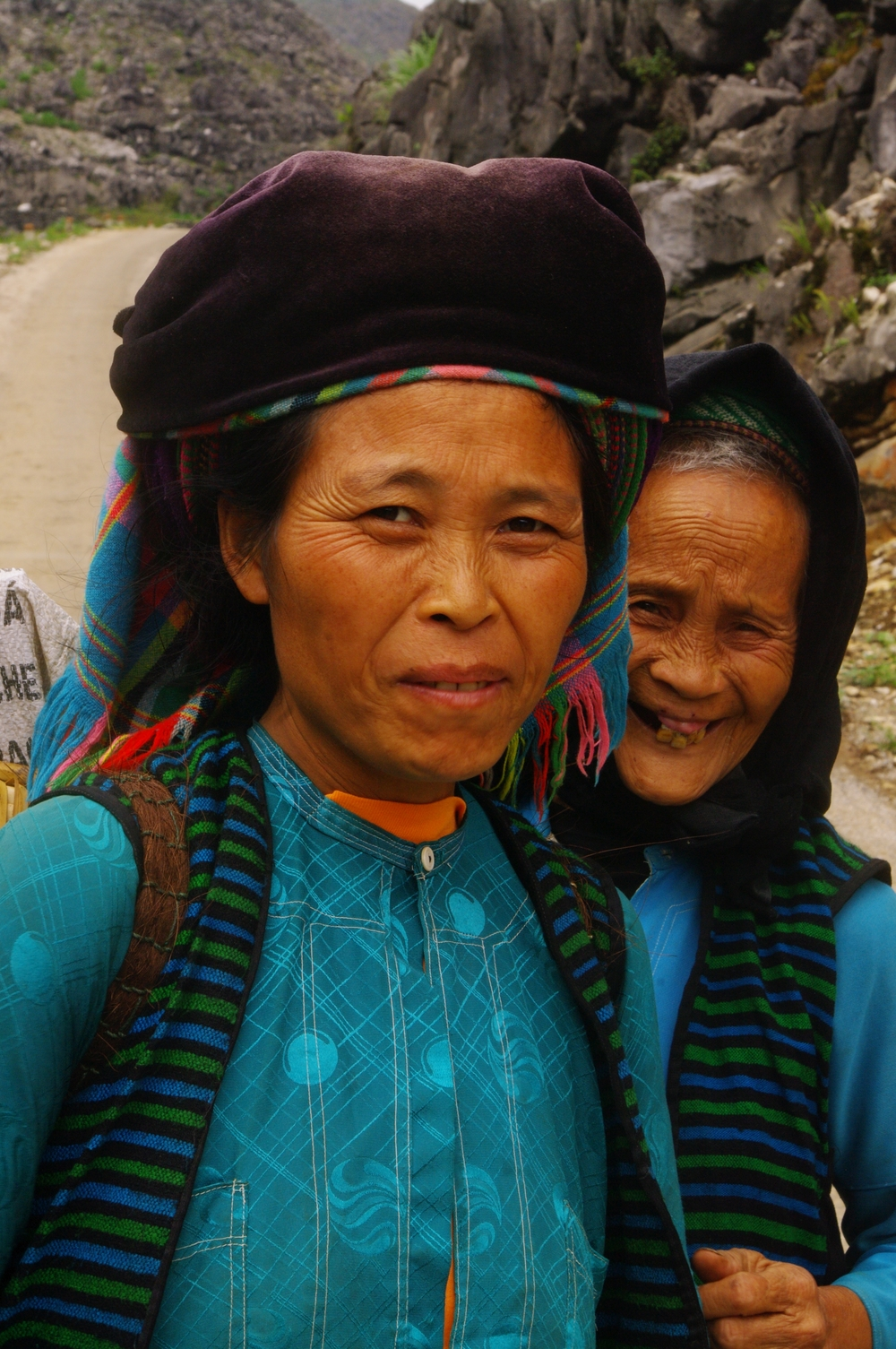 Photo: White Hmong mother and daughter in Ha Giang, Vietnam © Pachot | Dreamstime.com