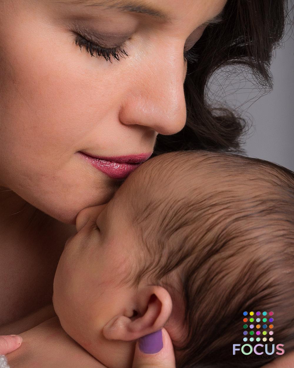 newborn sessiom (15 of 15).jpg
