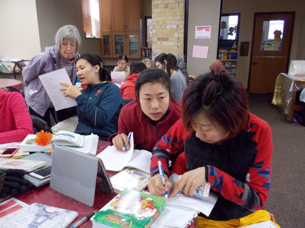 Small group English classes taught by experienced volunteers