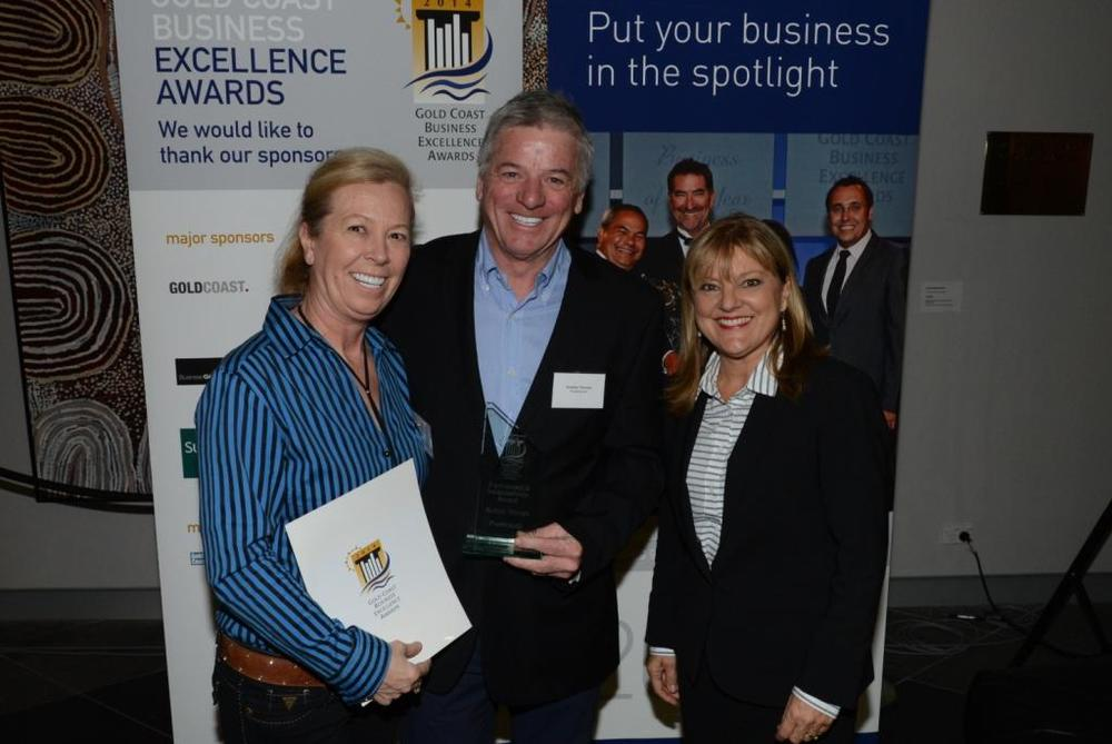 Pure Brandz Andy & Janet receiving the award from Gold Coast Deputy Mayor Donna Gates