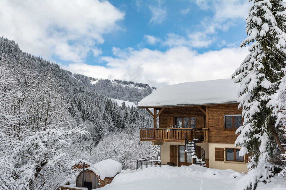 Pure Snow Top 10 Most Amazing Places To Stay In The Snow - Chalet Twenty26 5.jpg