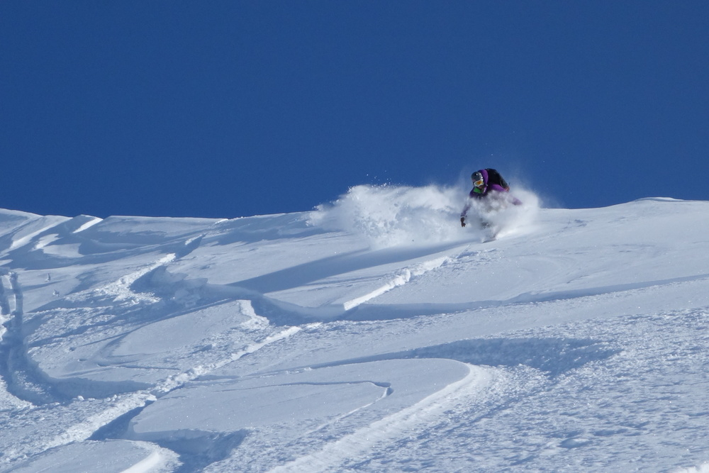 Pure Snow Snowboarding Alaska Alexa 10.JPG