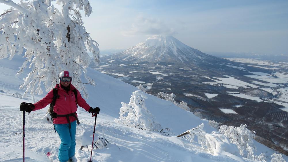 6 Heli skiing.jpg