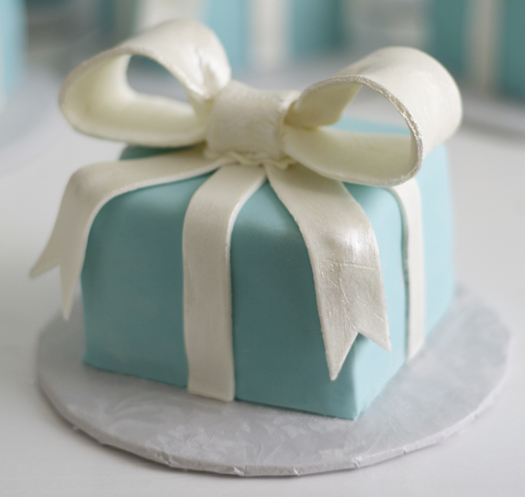 Tiffany colored cake Cake GIrls Chicago.png