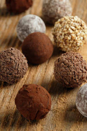 NOTHING SAYS LOVE LIKE HOMEMADE CHOCOLATE TRUFFLES