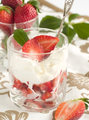 strawberries+and+cream.jpg
