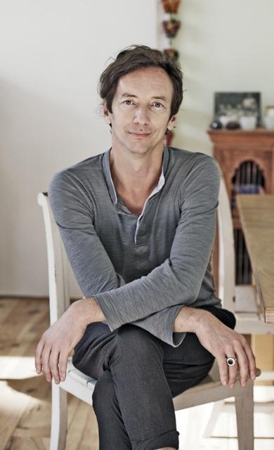 "Volker Bertelmann ""Hauschka""  -Komponist, Pianist."