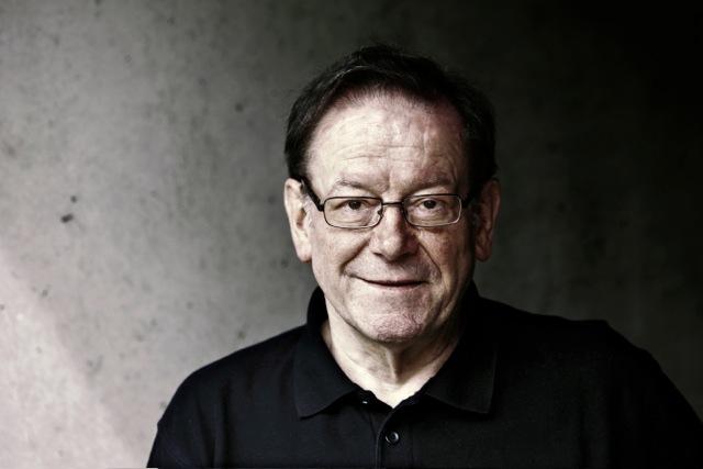 <b>Volker Bertelmann</b> &quot;Hauschka&quot; - Komponist, Pianist. - 1400211771359