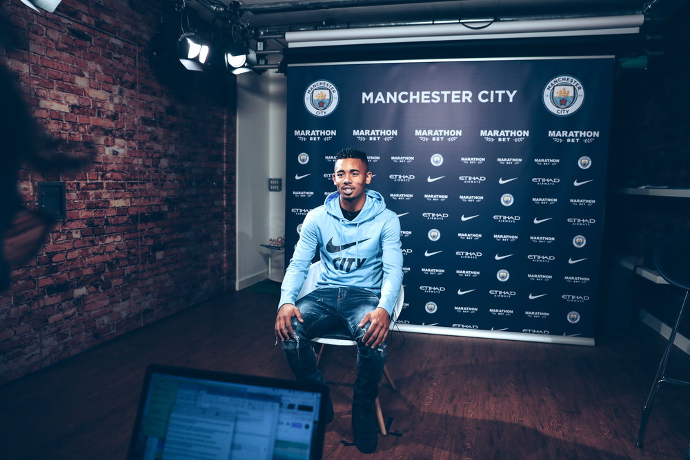 Gabriel Jesus signs a 5 year extension until 2023