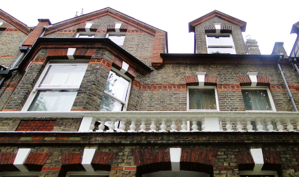 Extension and refurbishment of a flat on Brondesbury Villas in the Bronndesbury Conservation area in Kilburn.