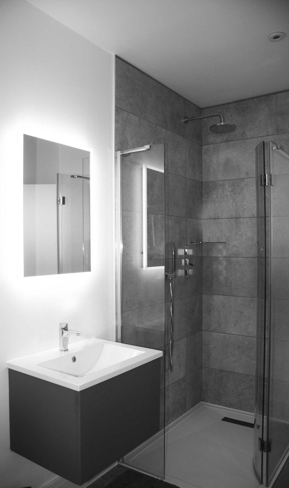 EVN-Eleven-Acre-Rise-Shower-Room-Craeft-Architects-BW.jpg