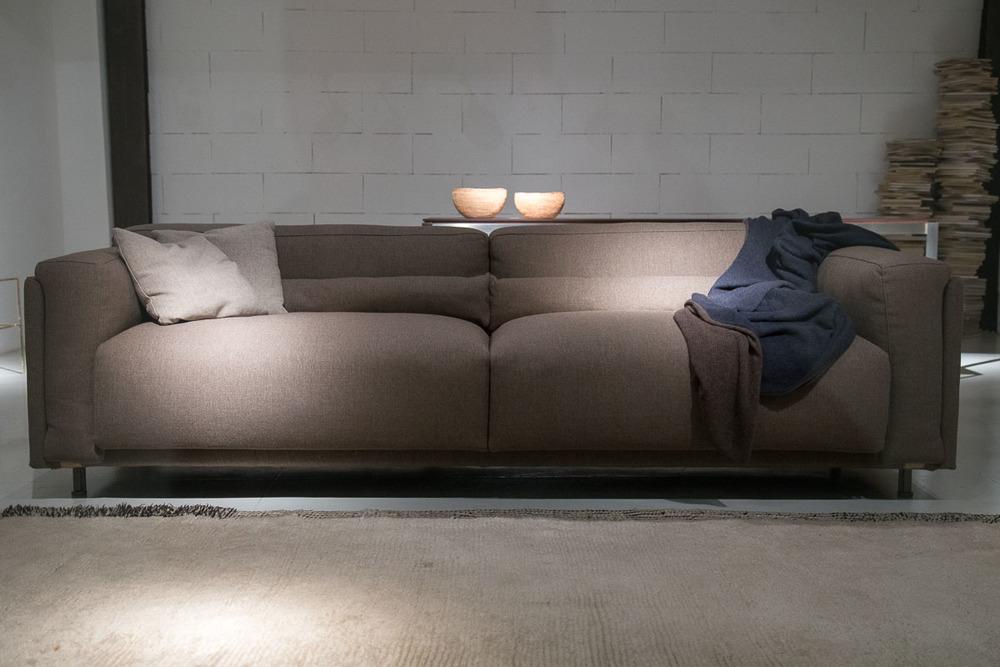 divano tessile design moderno di alta gamma