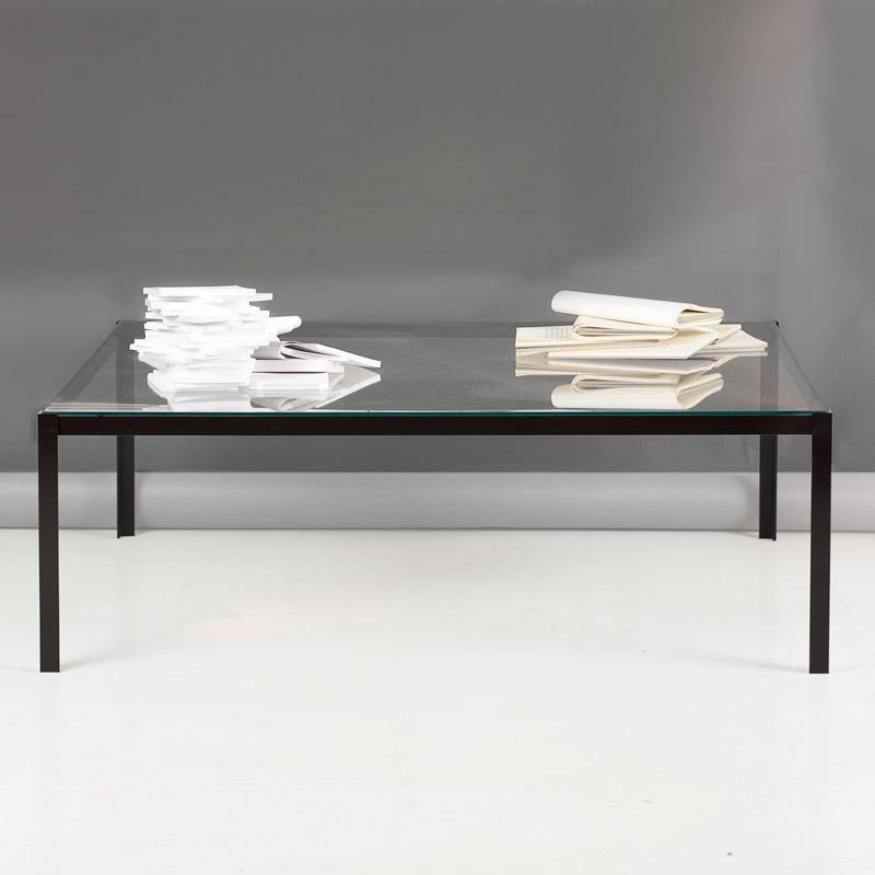 tavolino basso per salotti, in metallo e piano in vetro, legno e laminare