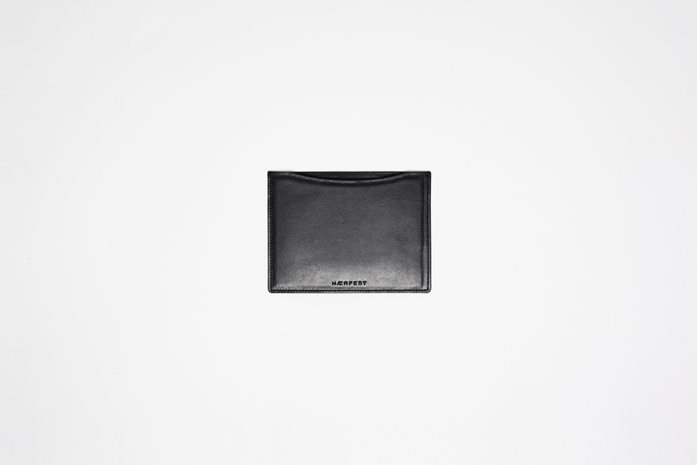 Haerfest - Passport Wallet Black