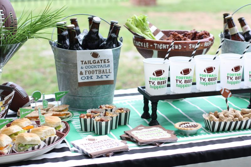 Tailgating Partyhttp://www.swoozies.com/category/occasions/tailgate