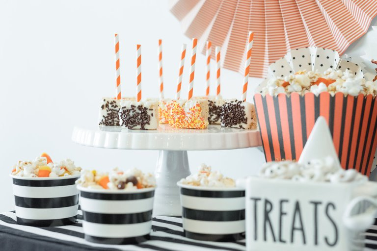 The-Everyday-Hostess-and-Swoozies-Halloween-Party-7.jpg