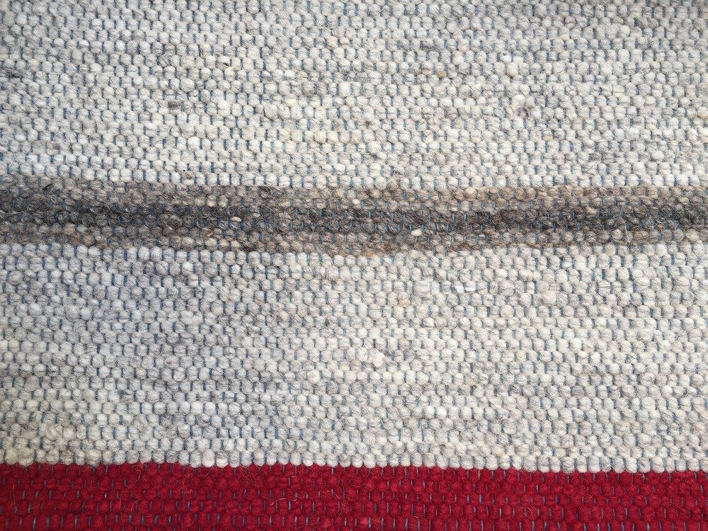 NATURAL STRIPE I LIGHT GRAY & RED