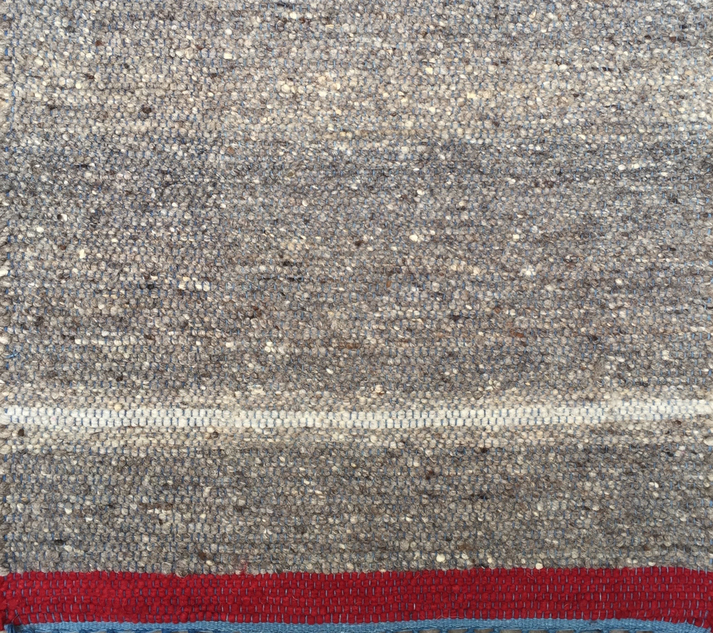 NATURAL STRIPE I MEDIUM GRAY & RED