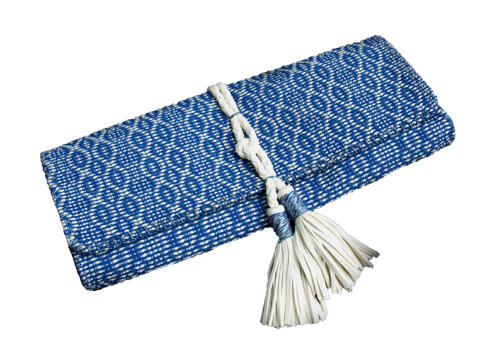 CENTER TASSEL CLUTCH
