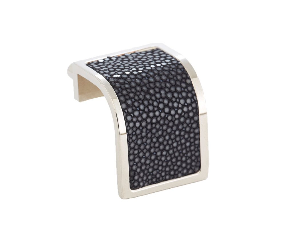 WATERFALL PULL I BLUE BLACK I CAVIAR   Polished Nickel & Shagreen (onyx)