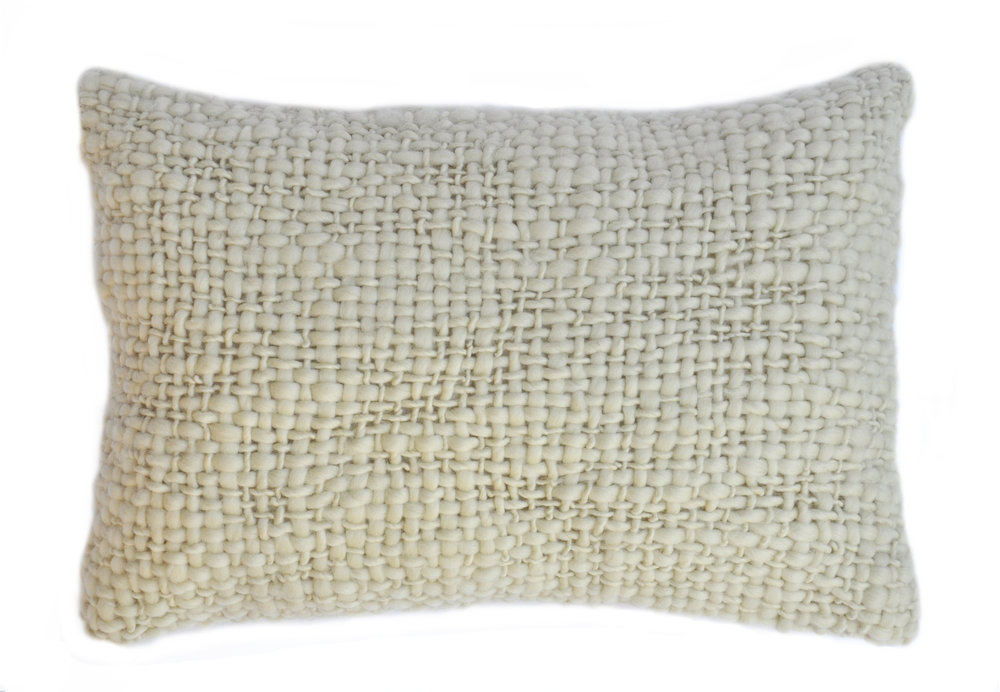 FLAME WOOL PILLOW I NATURAL IVORY
