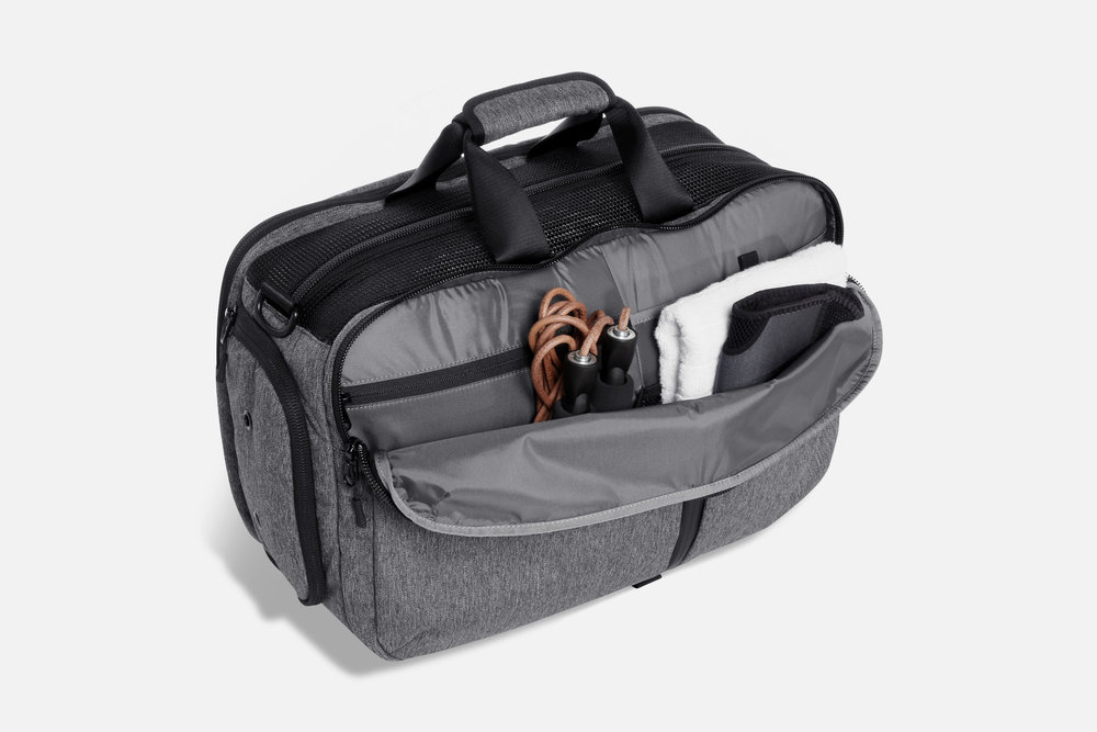 Aer Gym Duffel Interior Organization