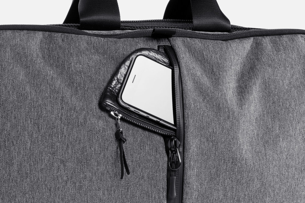 Aer Gym Duffel Phone Pocket