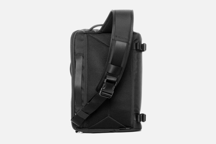 Travel Sling — Aer | Modern gym bags, travel bags and accessories ...