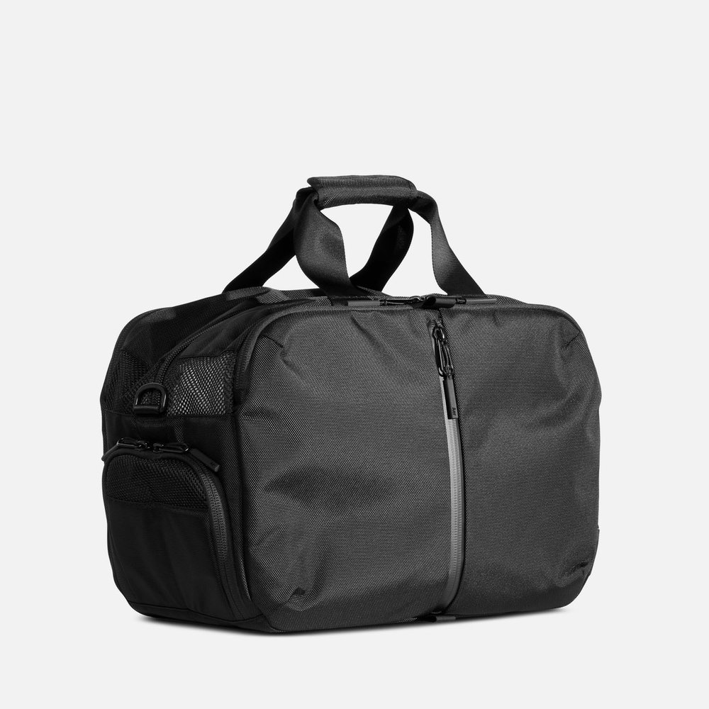 639edbd9eabe4c Gym Duffel 2 - Black — Aer | Modern gym bags, travel backpacks and laptop  backpacks designed for city travel