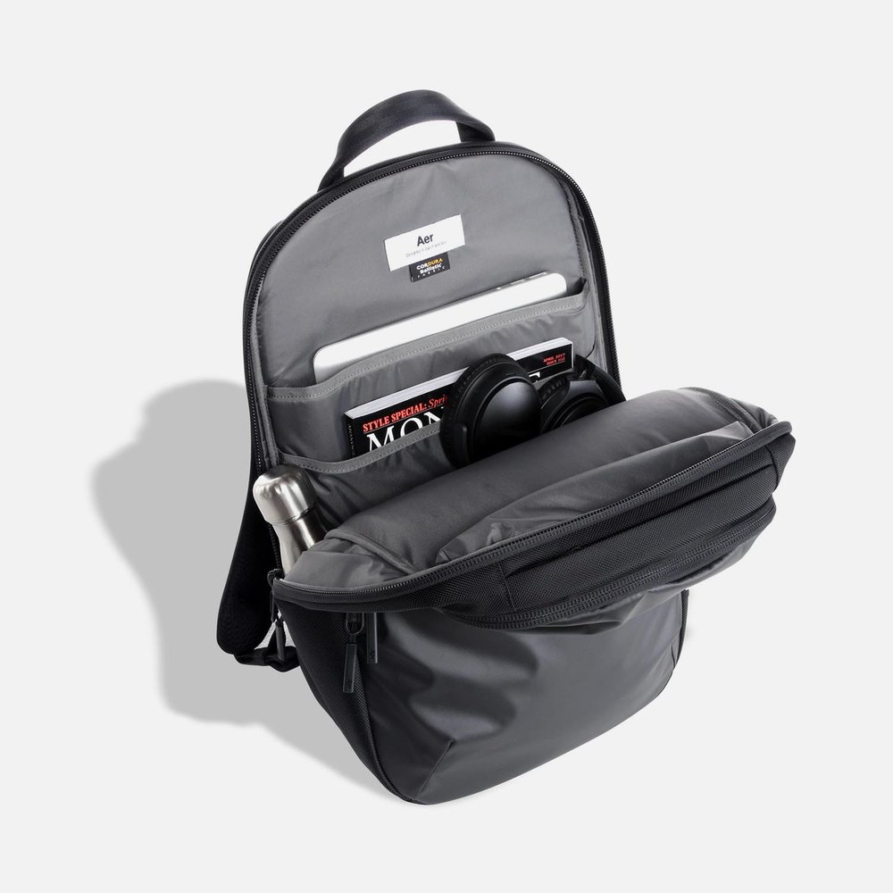 31001_daypack_black_main.JPG