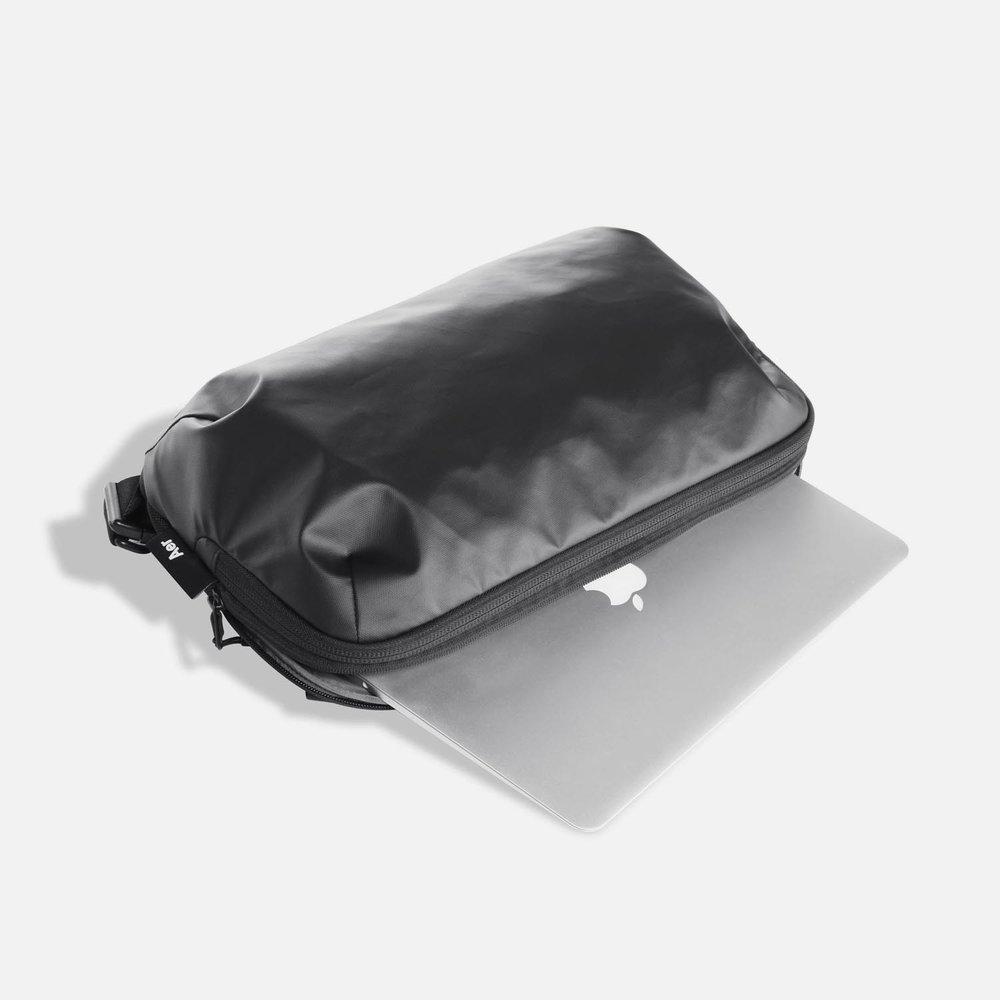 31005_techsling_black_laptop.JPG