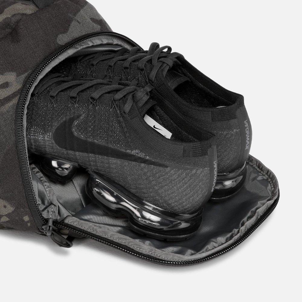 14001_dp2_blackcamo_shoes.JPG
