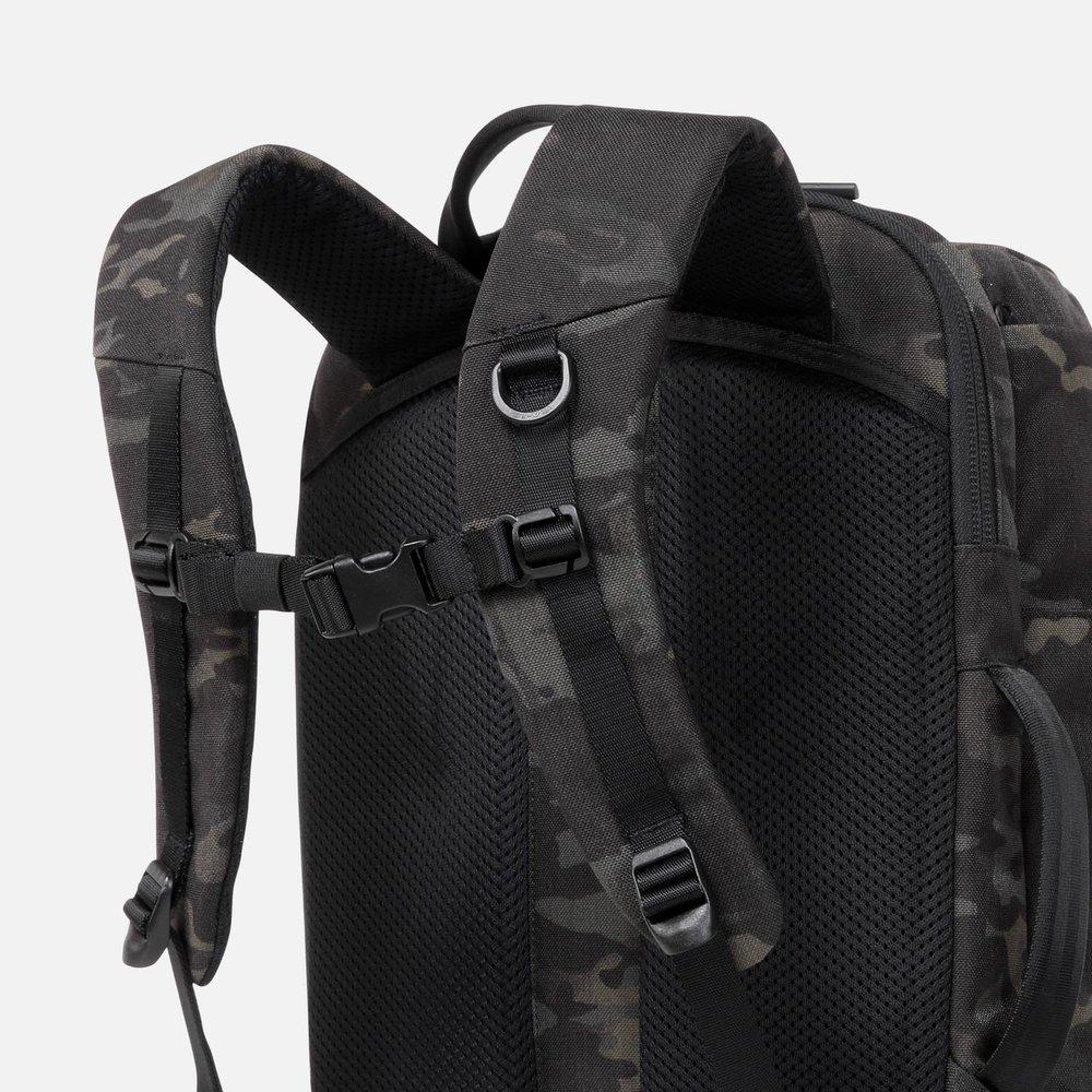 dc2daa1c1692 Duffel Pack 2 - Black Camo — Aer