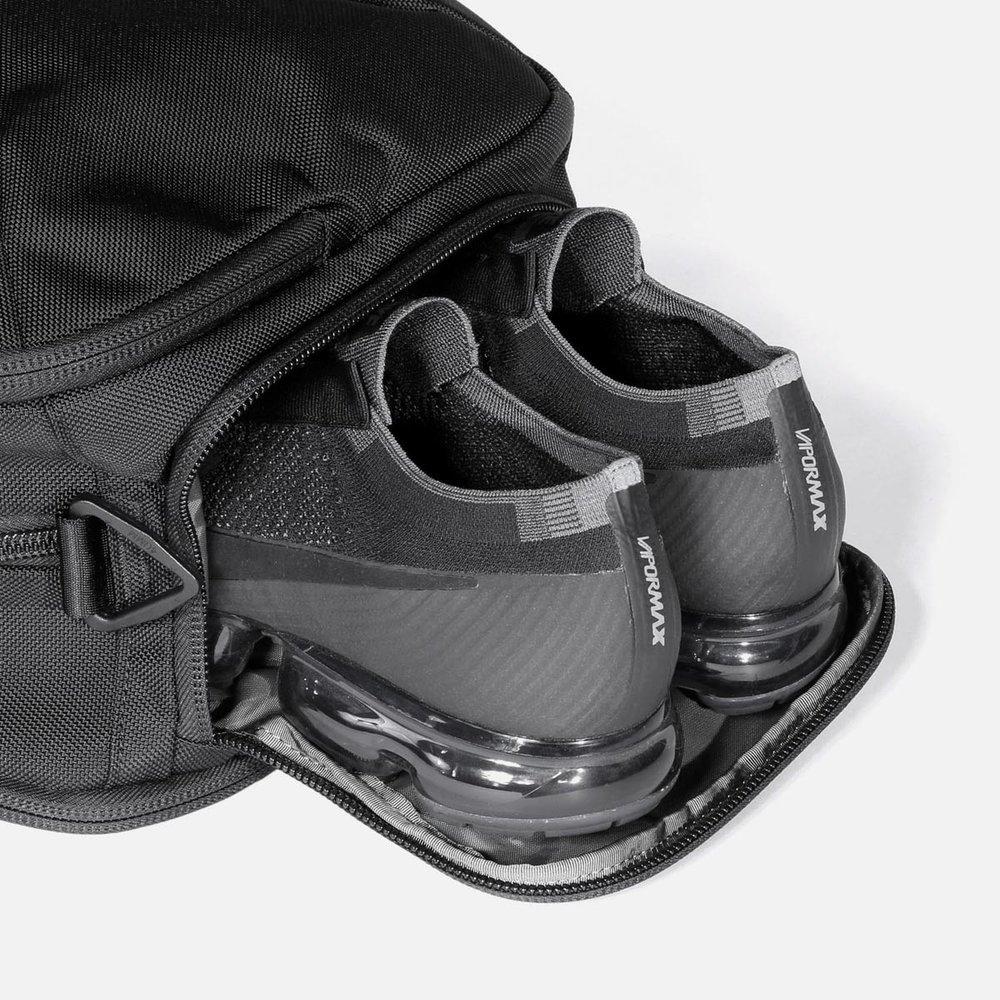 11009_gd2s_black_shoes.JPG
