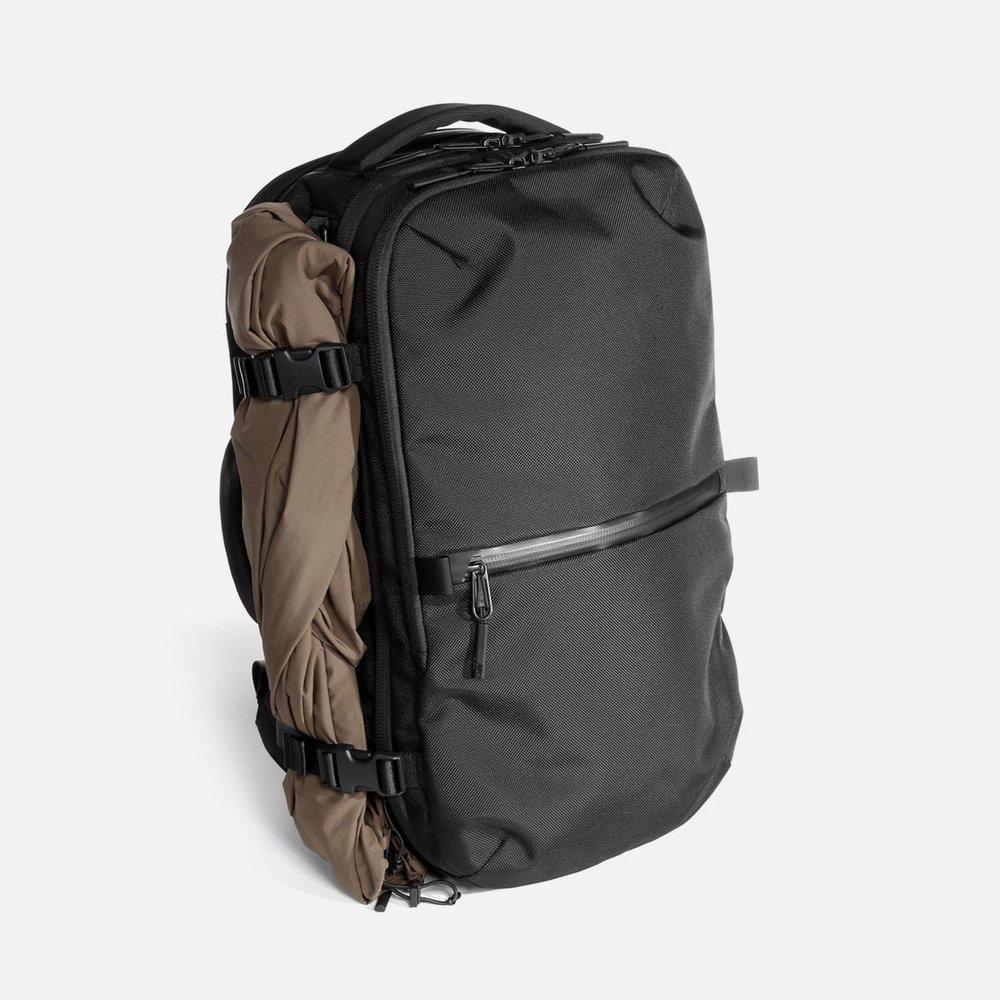 21007_tp2_black_jacket.jpg