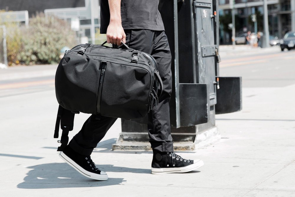21007_tp2_black_lifestyle_sidecarry.JPG