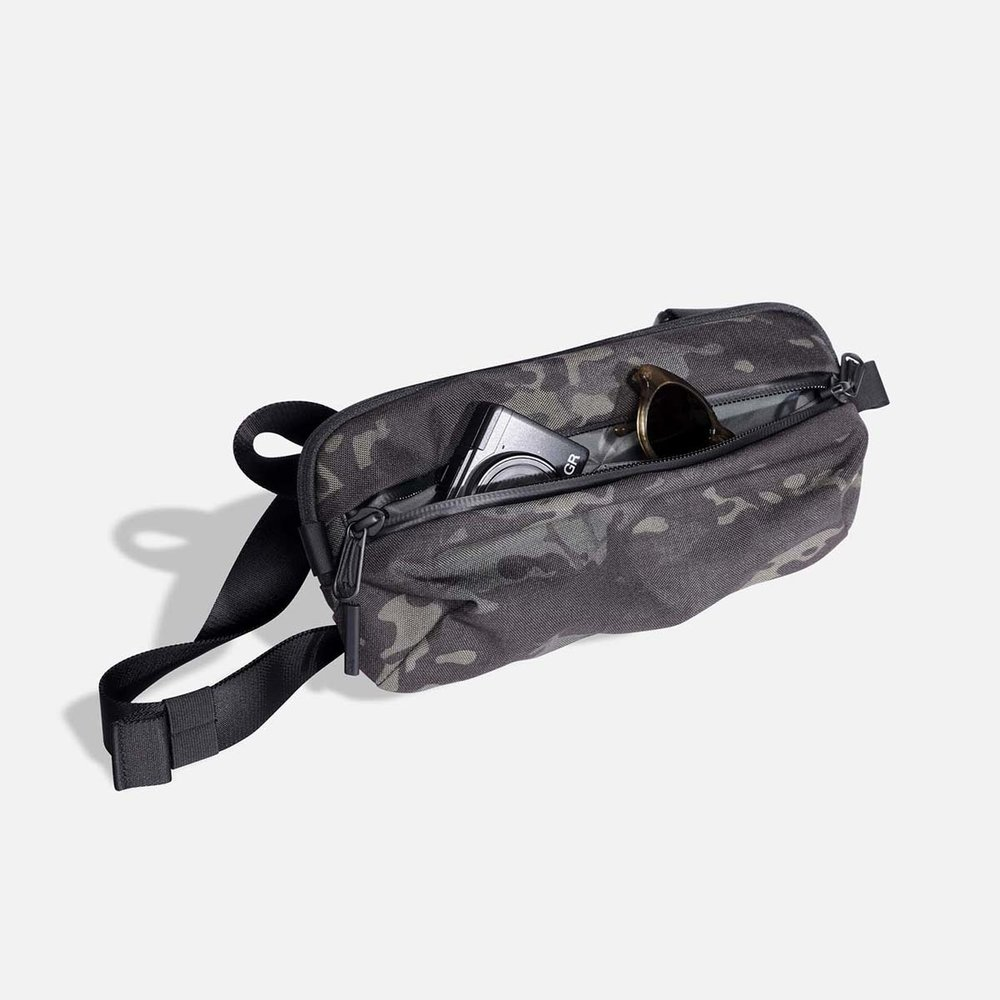 24009_ds2_blackcamo_frontpocket.JPG