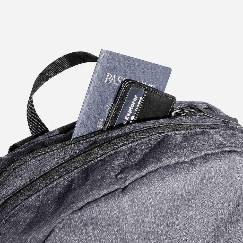 21017_gopack_black_passport.jpg