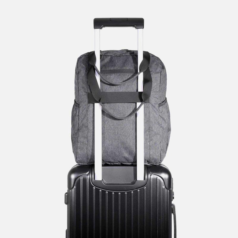21016_gotote_black_luggage.jpg