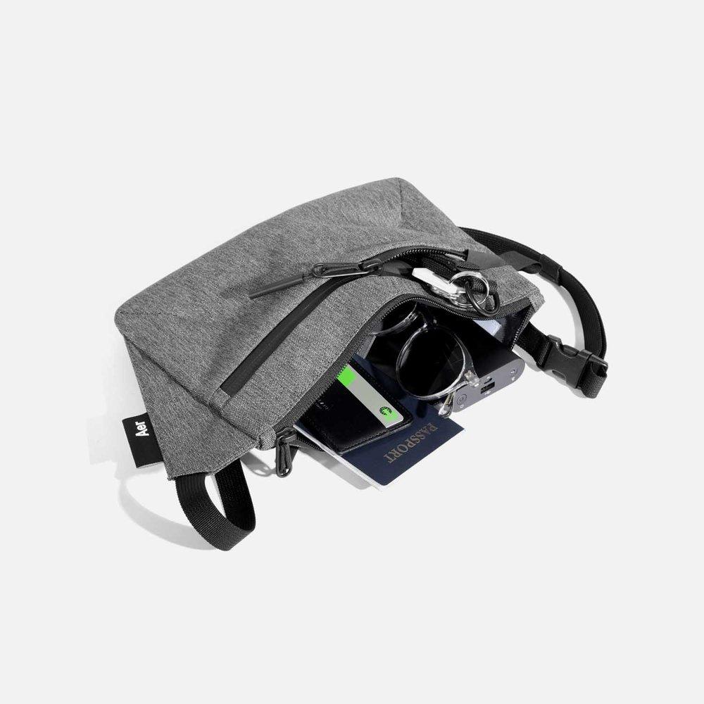 22019_slingpouch_gray_gear.jpg