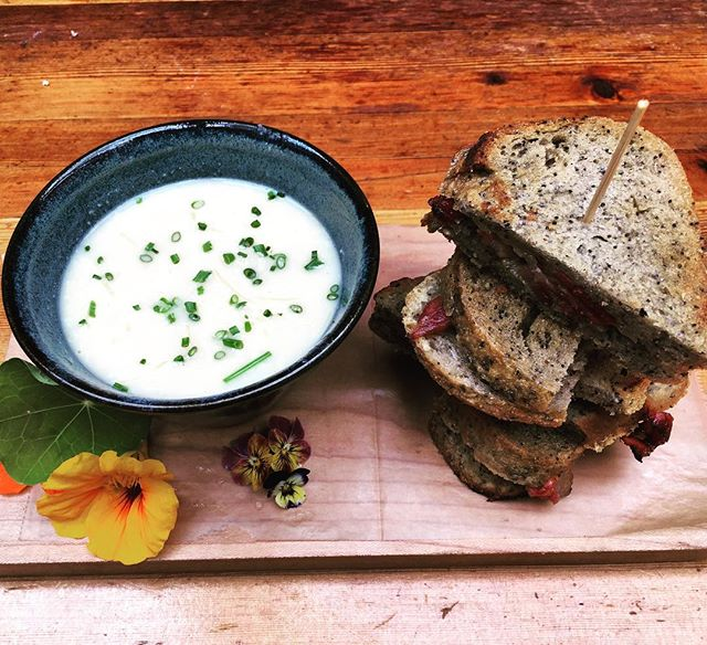 Now that's a delicious lunch! @spraggsmeatshop bacon and #sylvanstargouda sandwich on our fresh baked @highwoodcrossing bread, with #sudofarms cauliflower soup! Mmmmmmm...