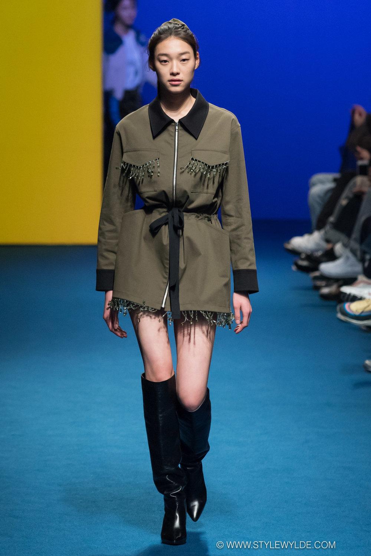 CynthiaHopeAnderson-HeraSeoul FashionWeekAW18-Fleamadonna-4.jpg