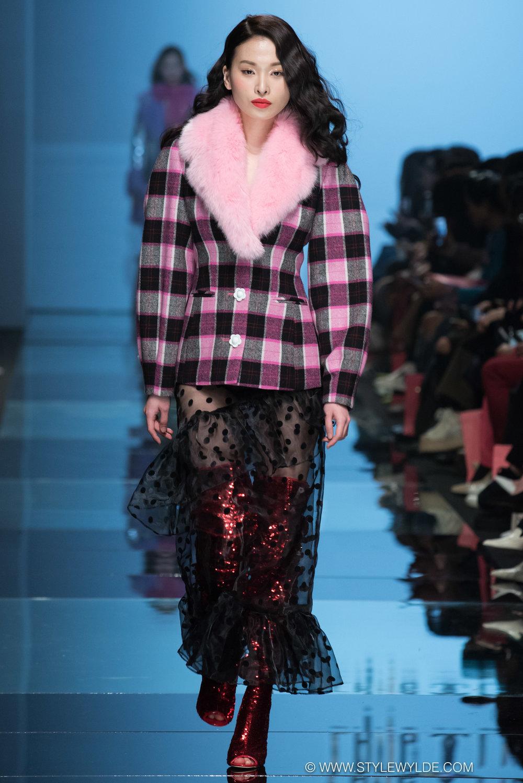 CynthiaHopeAnderson-HeraSeoul FashionWeekAW18-Lang&Lu-34.jpg