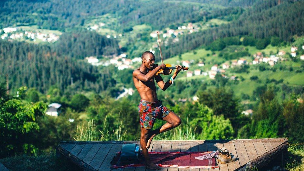 Hero_Meadows_in_the_Mountains_Aron Klein.jpg