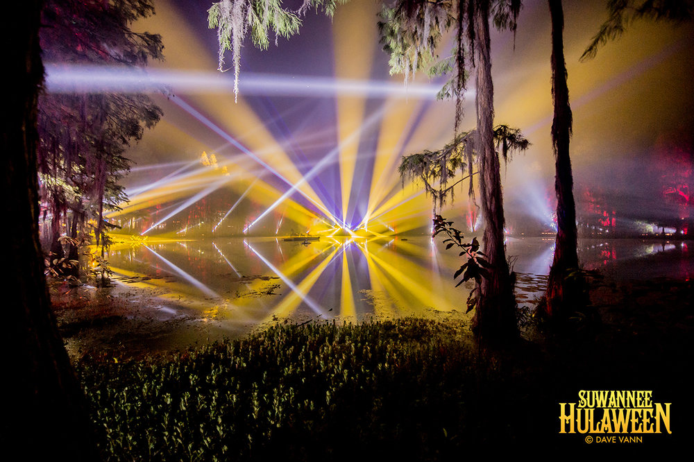 10-28-16_FDPV_0751_Hulaween_Spirit_Lake_by_Dave_Vann.jpg