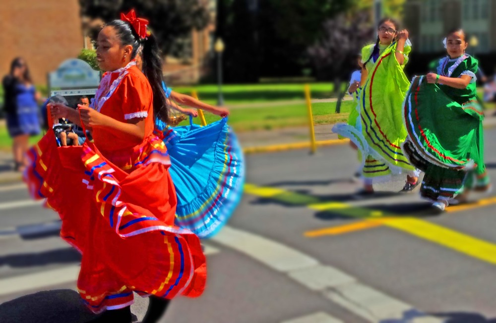 Amazing color and pageantry -  Mid Valley Mexican Folk Dancers  from Odell and Hood River, OR -  with Radio Tierra